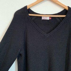 SO Black V-Neck Knit Sweater Size XL